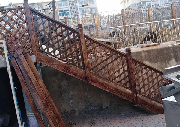 防腐木楼梯